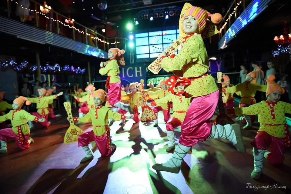 Образцовый ансамбль танца «Веселка» на фестивале в Донецке