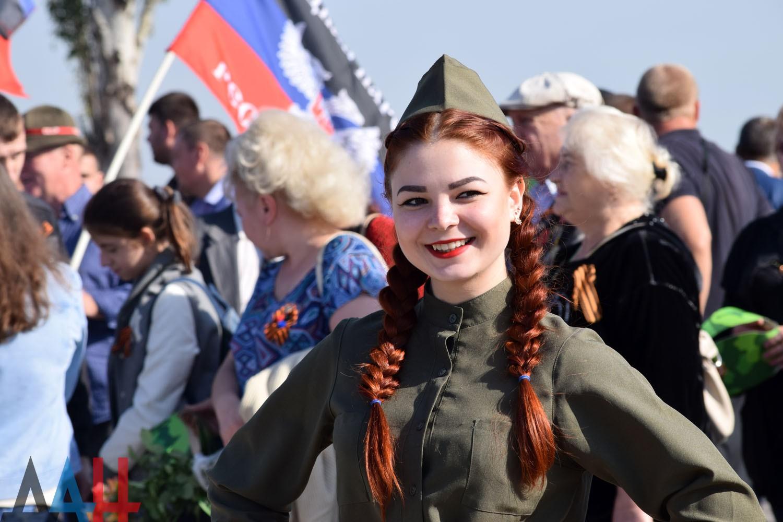 Поздравления с 8 марта от НМ ДНР