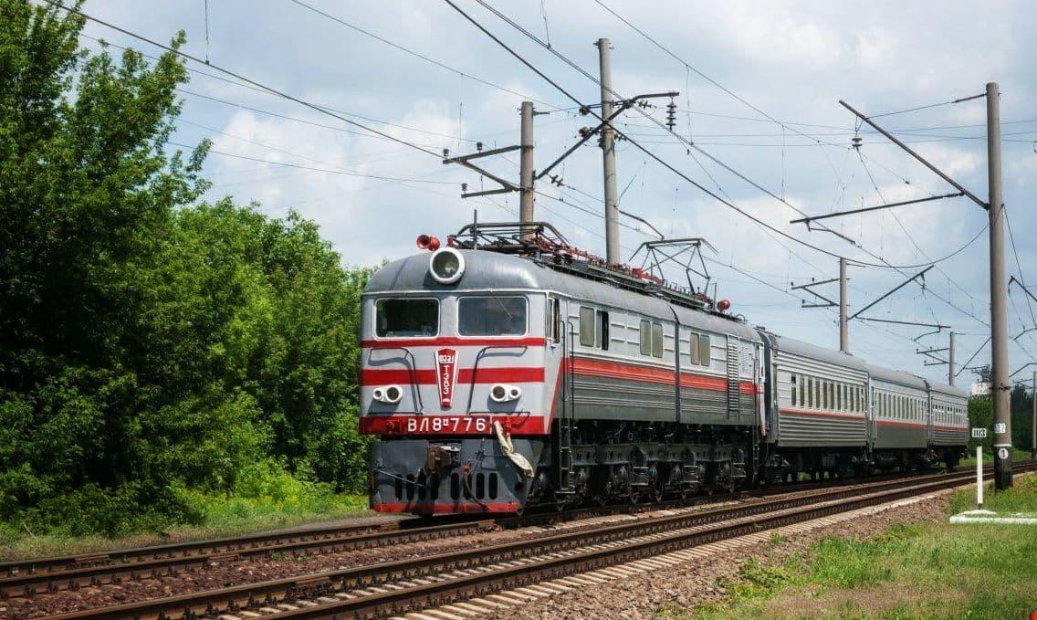 Пассажирский поезд для желающих проголосовать в Госдуму России